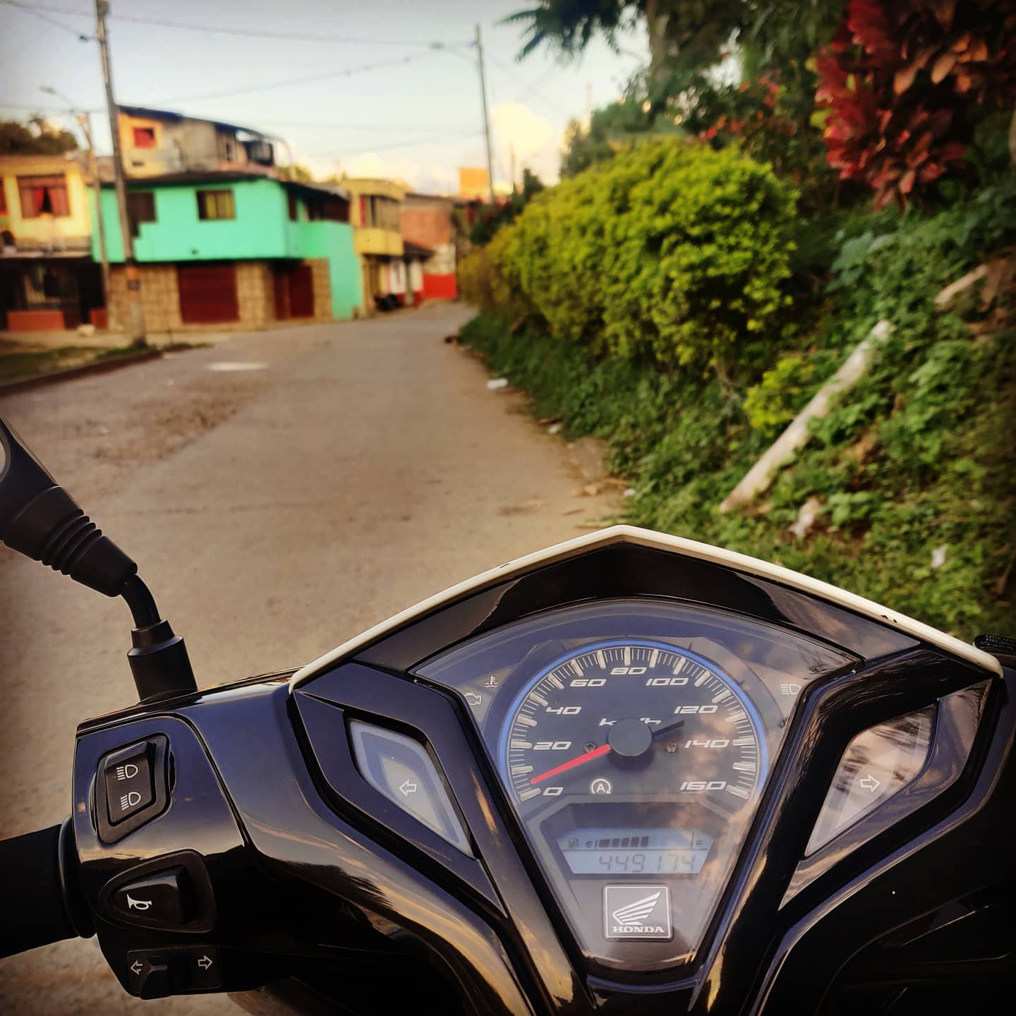 #Vamos 🛵🛵🛵 Exploring #themanor... Getting the adventure on... #outthecomfortzone rolling with the situation #motos #moto #quindio #realities  #Bohemia gives you a different set of cards...  #Breathe ...  #relax and take in the #education #gratitude   🇨🇴🇨🇴🇨🇴 Today #Colombiacalling #Peace #love & #adventures from #Colombia #travel #wanderlust #globetrotting #globetrekker #digitalnomad #digitalnomadlife #digitalnomads #nomadicfirstandforemost #creatingmemories #belikeabutterfly   #NewPerspective #PlantingSeeds #Quarantined